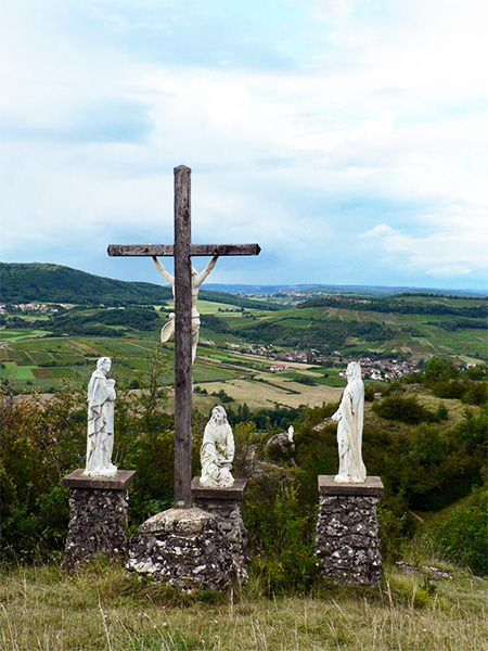 statues in nature in burgundy, way of the cross